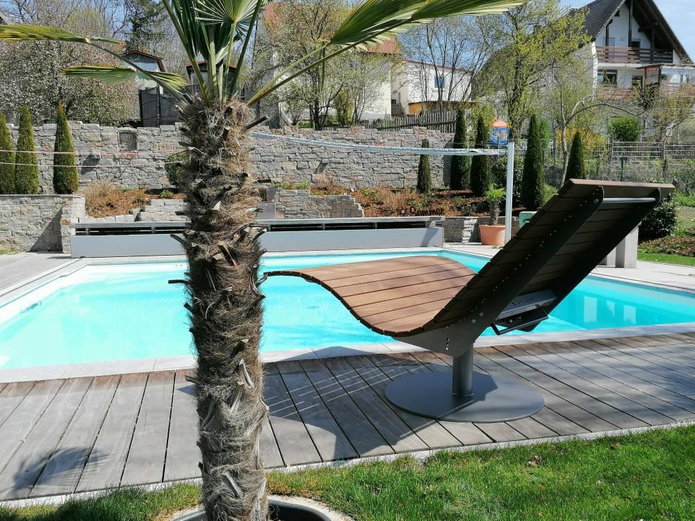 SoleilLounger Gartenliege am Pool Rückansicht