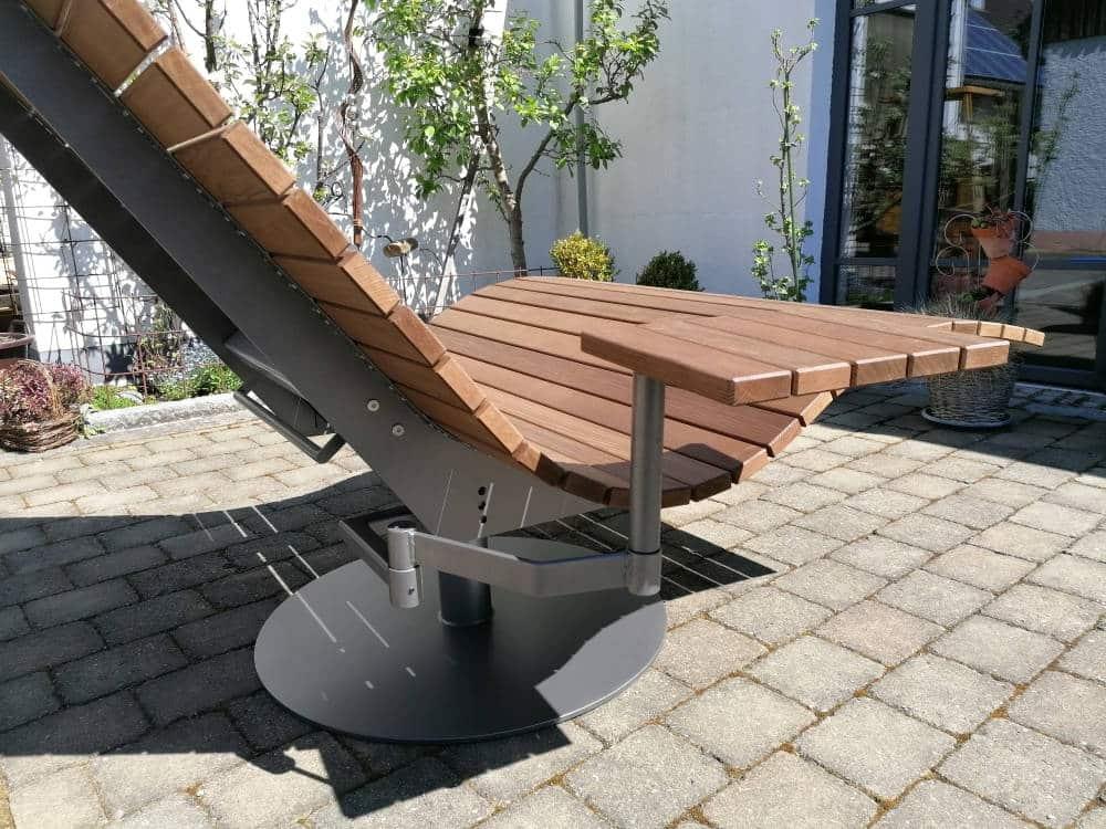 SoleilLounger Gartenliege mit Beistelltisch Rückansicht