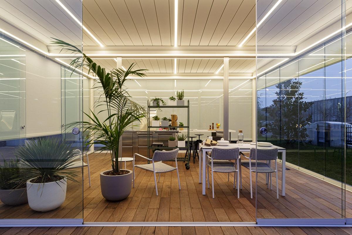Bioclimatics Imago Pergola mit Outdoor Küche
